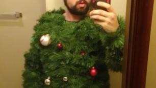 Eccessi di Natale, l'abito addobbo