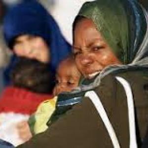 """""""Ci minacciano con la pistola"""": la denuncia dei profughi nel centro d'accoglienza di Paestum"""