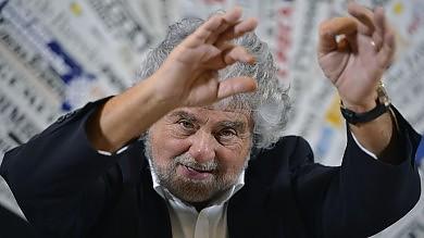 """Grillo: """"Pd referente di Carminati"""". Su Napolitano: """"Deve costituirsi"""". E boccia Prodi al Colle"""