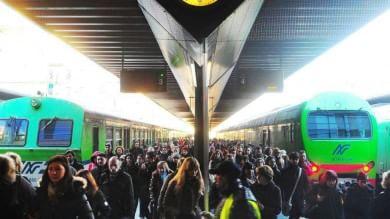 """Trasporti, l'Italia è tagliata in due  fra treni superveloci e """"lumaca"""""""