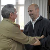 Cuba-Usa, Raul Castro incontra i 'Cinque Eroi di Miami'. Possibile imminente visita alla Casa Bianca