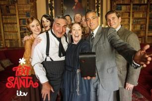 """Clooney a """"Downton Abbey"""", il selfie è vintage"""