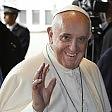 """Olimpiadi, auguri del Papa  alla candidatura di Roma  E scherza: """"Nel 2024  io non ci sarò, eh?""""   video"""