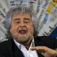 """Grillo: """"Golpisti e tangentari  è dittatura con la vaselina"""""""