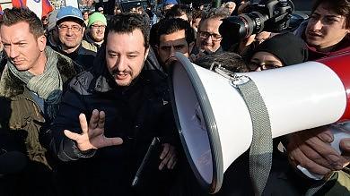 Il sondaggio  Più fiducia nel governo  Renzi e il Pd tengono. Boom di Salvini