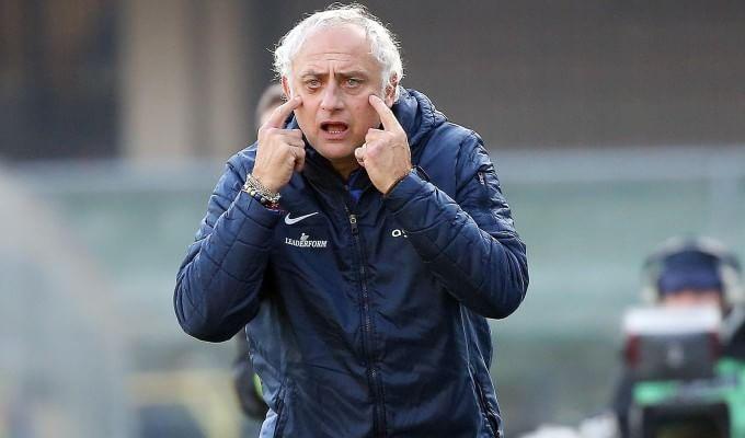 Verona, Mandorlini: ''Partita decisa da un errore del guardalinee, pari risultato più giusto''