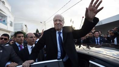 Tunisia, ballottaggio per il presidente Lo staff di Essebsi proclama la vittoria