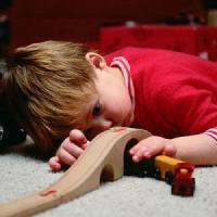 """Natale, campagna della Ue per i giocattoli sicuri: """"Genitori, cercate il marchio CE"""""""
