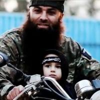 """Quella foto del bimbo ostaggio della Jihad.  La madre: """"E' mio figlio aiutatemi a..."""