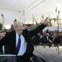 Tunisia, il laico Essebsi eletto presidente