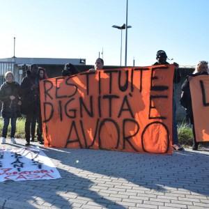 """Ponte Galeria, """"La Guantanamo italiana"""", la situazione al Cie dopo il cambio gestione"""