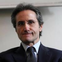 """Stefano Caldoro: """"Bastano sei macroaree, correggiamo l'errore di partire dalle Province"""""""