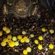 Hong Kong, vigilia di Natale con scontri tra manifestanti pro-democrazia e polizia