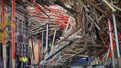Mons, crolla opera d'arte di 90 metri nata per l'Anno della cultura. Ipotesi dolo