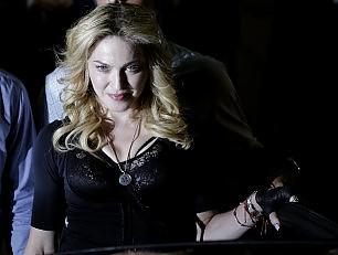 Madonna senza pace: in rete altri 14 brani -  Foto