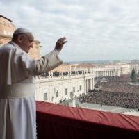 """Papa Francesco: """"Preghiere per i fedeli perseguitati spogliano il Natale del falso sapore..."""