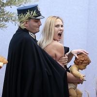 Femen a San Pietro, l'attivista è libera ma non potrà più accedere alla Città del Vaticano