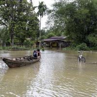 Malesia travolta da alluvioni, 160mila sfollati