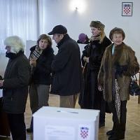 Croazia, exit poll: testa a testa tra presidente in carica e candidata conservatrice