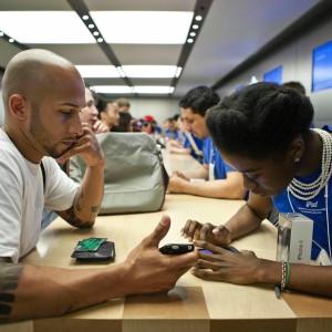 Apple sotto accusa: ripara con pezzi usati