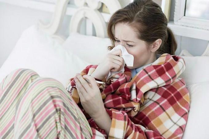 Influenza, quasi 800.000 casi. Atteso il picco dopo l'Epifania