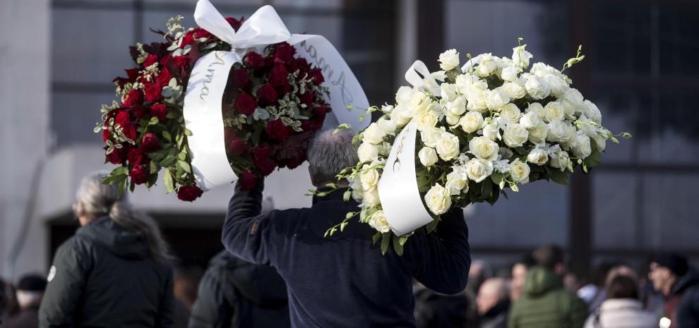 Pino Daniele: procura di Roma indaga per omicidio colposo. Domani l'autopsia