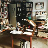 Parigi, strage Hebdo: lo studio vuoto di Wolinski