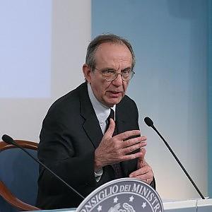 Il deficit italiano sale al 3,5% del Pil. Aumenta il potere d'acquisto
