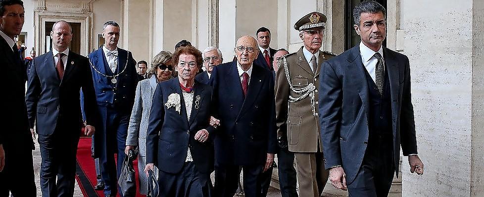 Napolitano si è dimesso: gli onori e il commiato, finisce così la presidenza più lunga