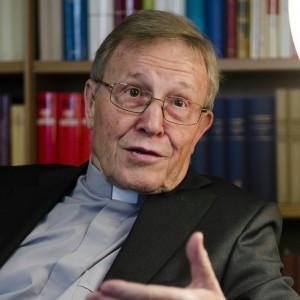 """Kasper: """"Il pugno del Papa? Solo una battuta ma è giusto il richiamo alla responsabilità"""""""
