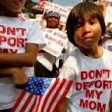 New York, momento storico per gli immigrati: in migliaia attendono in fila  per il documento d'identità