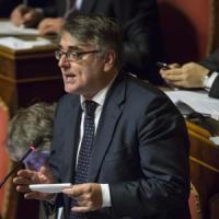 """L'Italicum avanza al Senato, passa il supercanguro che taglia 35mila emendamenti. Ira di Bersani: """"Ci rispettino o è la fine"""""""