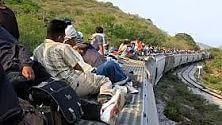 """Le nuove rotte  degli immigrati  verso gli Stati Uniti  Il treno """"Bestia""""  è troppo pericoloso  di MARIA CRISTINA FRADDOSIO"""