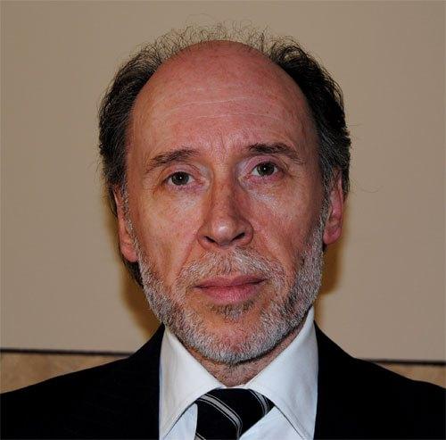 """Maurizio Bufi: """"Come evolvono <br />i modelli distributivi""""<strong><span style=""""color: rgb(153, 0, 0)&#x3b;""""> <a href=""""http://financialounge.repubblica.it/IT/co/anasf/video/consulentia2015_-__un_appuntamento_per_capire_la_evoluzione_dei_modelli_distributivi.aspx"""" title=""""http://financialounge.repubblica.it/IT/co/anasf/video/consulentia2015_-__un_appuntamento_per_capire_la_evoluzione_dei_modelli_distributivi.aspx"""">(video)<br /></a></span></strong>"""