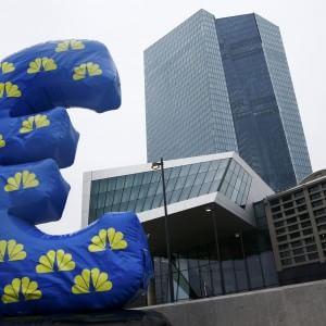 Draghi lancia un programma di acquisti da 60 miliardi al mese