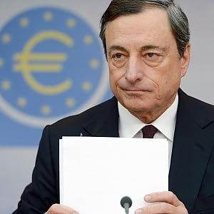 Bce: Draghi, ora governi raddoppino sforzi per le riforme