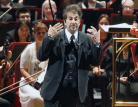 Silenzio in sala, sul podio sale Al Pacino