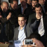 """Grecia, trionfa Tsipras: """"Troika è il passato"""". Ma per la maggioranza gli mancano due..."""