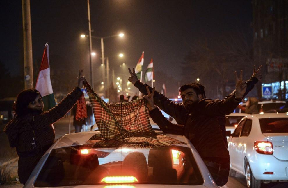 Kobane liberata dall'Is, la gioia dei cittadini curdi