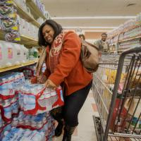 Tempesta su New York, corsa ai supermercati per le scorte