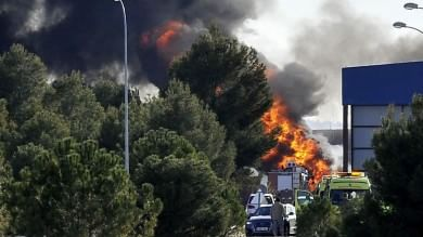 Spagna, F-16 greco al decollo si schianta in base Nato: 10 morti    foto -     video