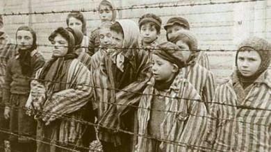 """Olocausto, è la Giornata della Memoria    Papa: """"Auschwitz grida  dolore immane """""""