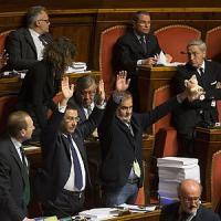 """Il Senato approva l'Italicum, Renzi: """"Il coraggio paga, andiamo avanti"""""""