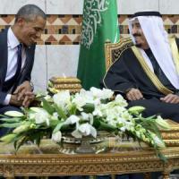 """Petrolio, Iran e Califfato. Obama alla corte di Salman: """"Uniti contro gli integralisti"""""""