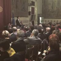"""Renzi all'assemblea dem: """"No a veti di Fi. Possibile candidato fuori dal Nazareno"""""""