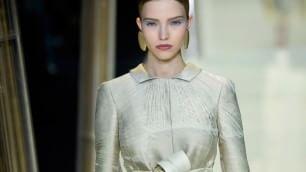 Haute couture:   Armani Privé, eleganza ispirata al bambù
