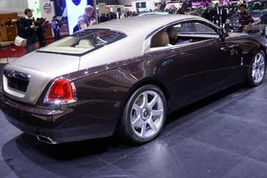 Tutti pazzi per la Rolls-Royce, vendite alle stelle