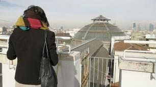 A spasso sui tetti della Galleria Milano, che spettacolo da quassù
