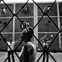 Fotografando i volti in bianco e nero della libertà perduta