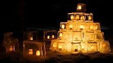Lanterne ghiaccio show La Lapponia celebra    foto    la fine della lunga notte